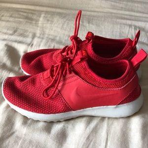 Nike Womens Shoe   Flyknit Red  